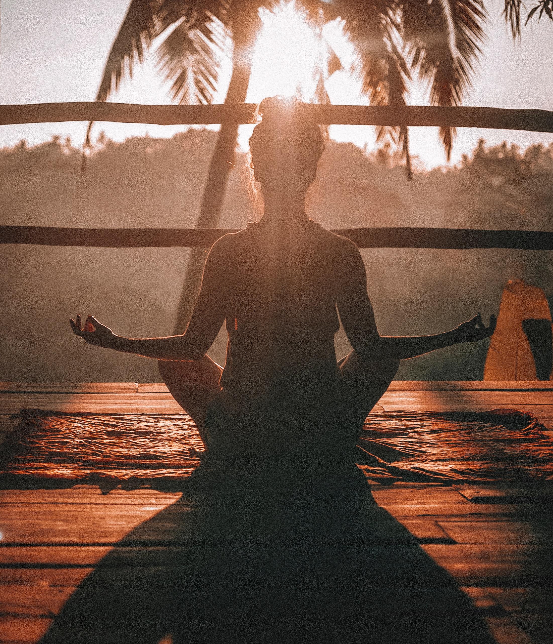 Warum du ums Meditieren nicht drum rum kommst und was ich währenddessen schon Verrücktes erlebt habe